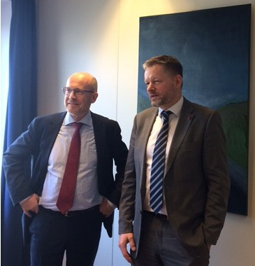 EFTA Deputy Secretary General Dag W. Holter with Icelandic Minister of Social Affairs and EqualityThorsteinn Viglundsson