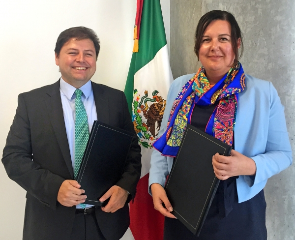Heads of delegation Mr César Guerra Guerrero and Ms Karin Büchel.