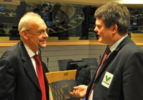 Gerhard Stahl, Secretary-General of the Committee of the Regions, in discussions with Halldór Halldórsson, Vice-Chair of the EEA EFTA Forum of Local and Regional Authorities