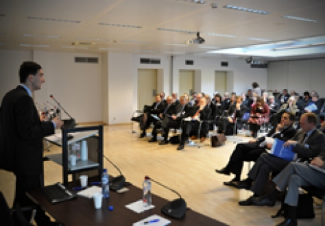 Mr Zsolt Darvas, a Research Fellow at Bruegel, gives a presentation on the euro crisis and the EU's policy response.