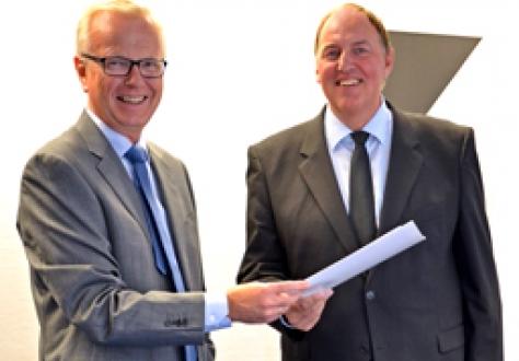Ambassador Harald Neple and Secretary-General Kristinn F. Árnason