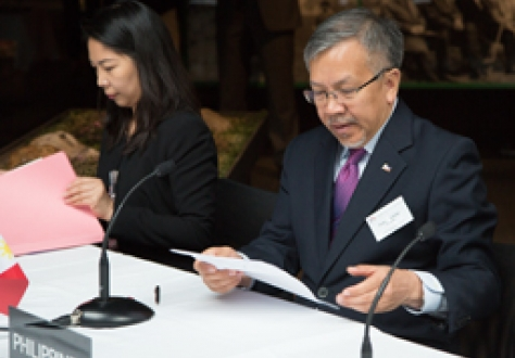Ms Magnolia M. Uy, Commercial Attaché, Philippines Mission to the WTO, Geneva, and Mr Gregory L. Domingo, Secretary, Department of Trade and Industry, the Philippines