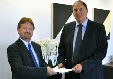 From left: Mr Högni S. Kristjánsson, Ambassador, Iceland; Mr Kristinn F. Árnason, Secretary-General, EFTA