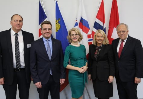 From left: Mr Kristinn F. Árnason, Secretary-General, EFTA; Mr Guðlaugur Þór Þórðarson, Minister for Foreign Affairs and External Trade, Iceland; Ms Aurelia Frick, Minister for Foreign Affairs, Liechtenstein; Ms Monica Mæland, Minister of Trade and Industry, Norway; Mr Johann N. Schneider-Ammann, Federal Councillor, Head of the Federal Department of Economic Affairs, Education and Research.