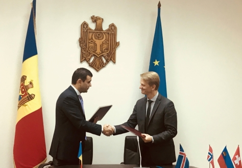 H.E. Chiril Gaburici, Minister of Economy and Infrastructure of the Republic of Moldova, and Ambassador Harald Aspelund of Iceland.