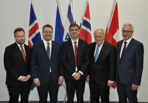 After the signing of the agreements, from left: Torbjørn Røe Isaksen, Minister of Trade and Industry of Norway, Guðlaugur Þór Þórðarson, Minister for Foreign Affairs and External Trade of Iceland, Eli Cohen, Minister of Trade and Economy, Israel, Johann N. Schneider-Ammann, Federal Councillor and Head of the Federal Department of Economic Affairs, Education and Research of Switzerland, Henri Gétaz, EFTA Secretary-General.