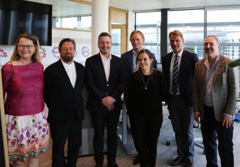 From left: ESA President Bente Angell-Hansen; EFTA Deputy Secretary-General Andri Lúthersson; Foreign Minister Guðlaugur Þór Þórðarson; EFTA Head of Communications Thorfinnur Omarsson; Prime Minister Katrín Jakobsdóttir; FMO Deputy Managing Director Árni Páll Árnason; Ambassador Kristján Andri Stefánsson.