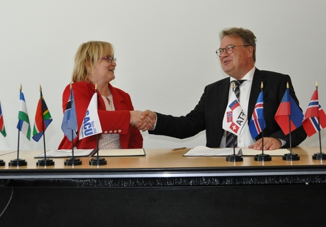 Niki Krüger (left) and Lars Erik Nordgaard.