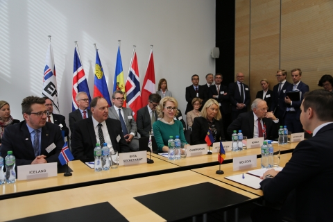 the trade relations among europe and Political and economic relations between the european union and chile are defined by their association agreement, which has been in force since 2003 for the trade part and since 2005 as a whole this association covers the main aspects of bilateral relations: political dialogue, trade and .